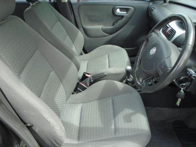 2002 Vauxhall Corsa 1.2 SXI 16V 5d image 6