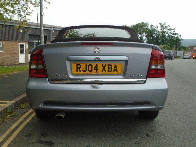 2004 Vauxhall Astra 1.8 16V 2d image 3