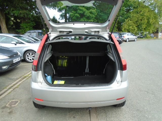 2002 Ford Fiesta 1.4 16V 5d image 4