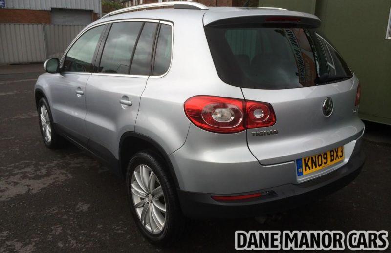 2009 Volkswagen Tiguan Sport 4 Motion image 5