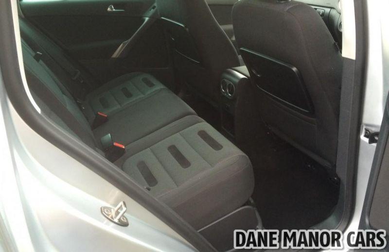 2009 Volkswagen Tiguan Sport 4 Motion image 9