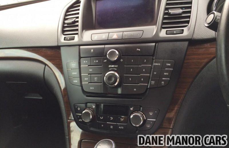 2011 Vauxhall Insignia CDTI image 8