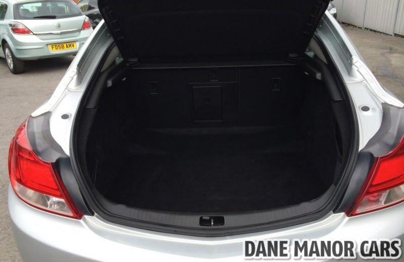 2011 Vauxhall Insignia CDTI image 9