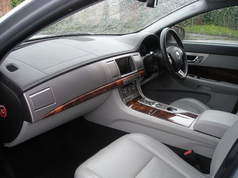 2008 Jaguar XF 2.7 4dr image 7