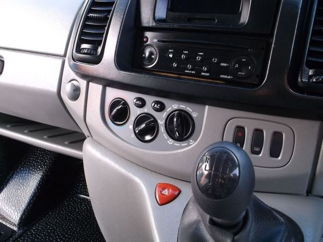 2010 Renault Trafic 2.0 DCI image 5