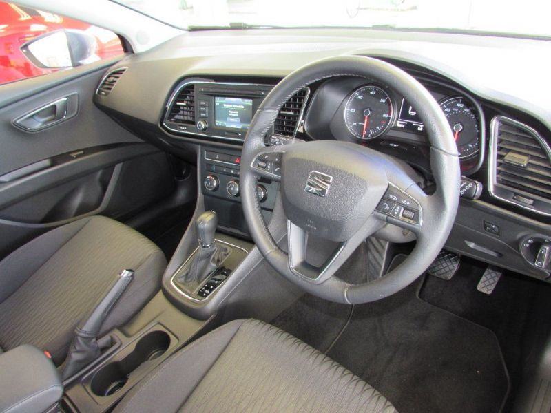 2014 SEAT Leon 1.6 TDI SE DSG 5dr image 5