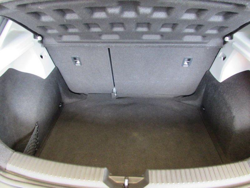 2014 SEAT Leon 1.6 TDI SE DSG 5dr image 7