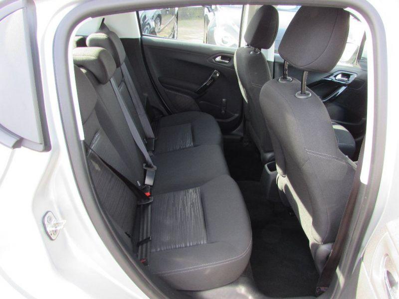 2013 Peugeot 208 1.2 VTi Access+ 5dr image 7