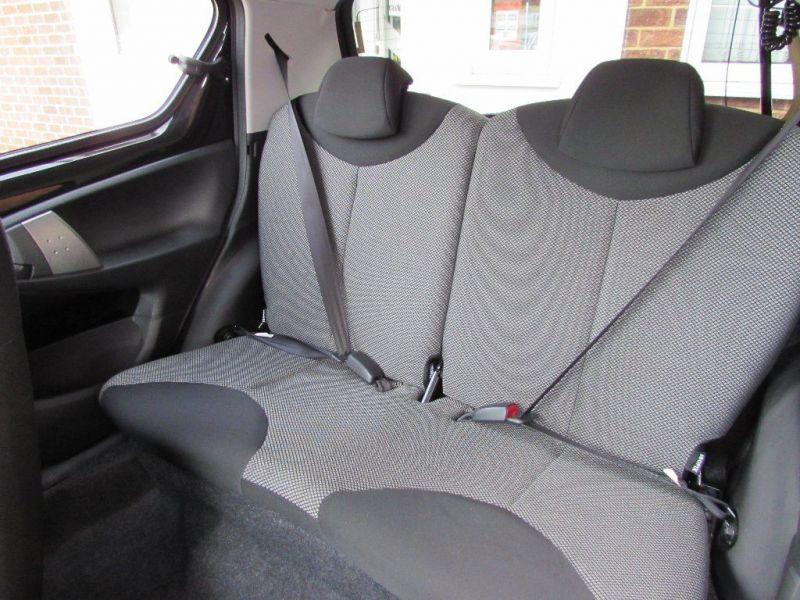 2014 Toyota Aygo 1.0 VVT-i Mode 5dr image 7