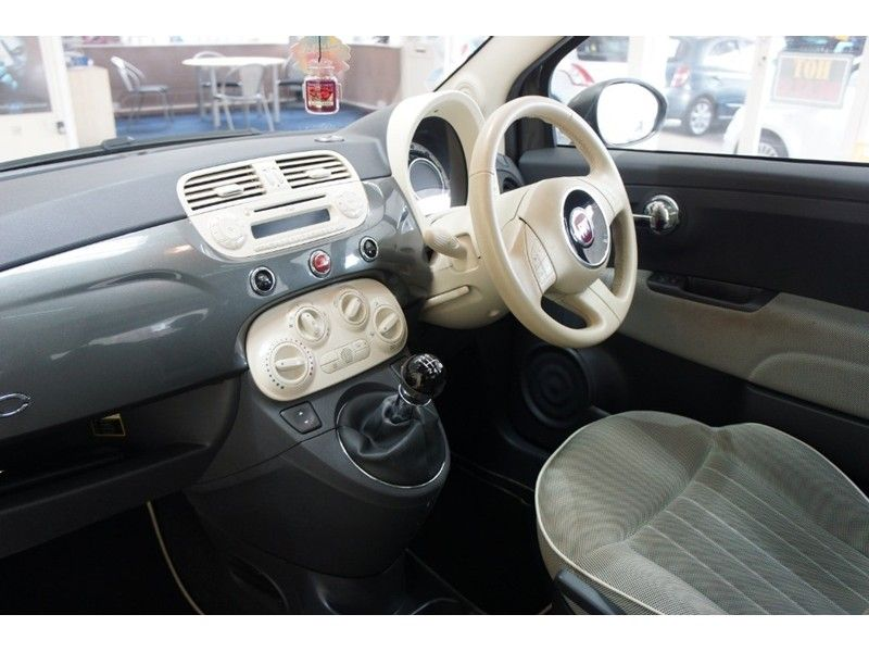 2014 Fiat 500 Lounge 3dr image 9