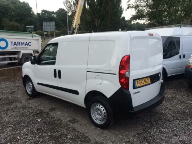 2012 Vauxhall Combo Van 1.6 2000 L1H1 CDTI S/S 5d image 3