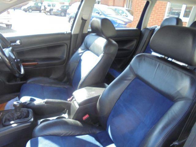 2002 Volkswagen Passat 2.3 V5 5d image 7