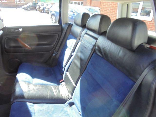 2002 Volkswagen Passat 2.3 V5 5d image 8