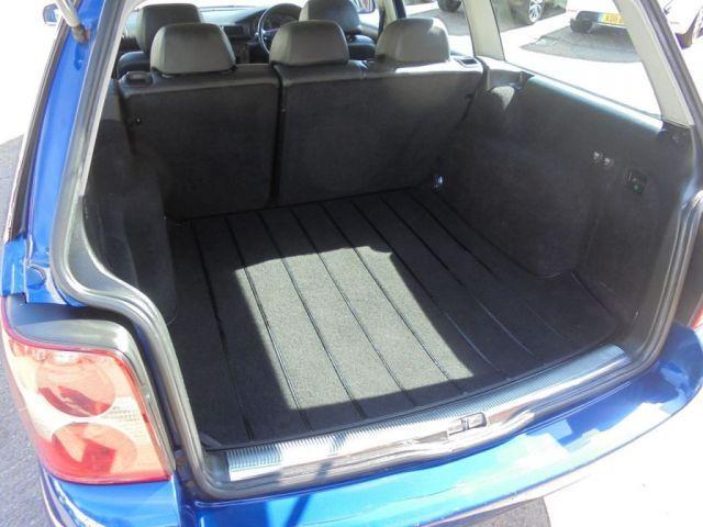2002 Volkswagen Passat 2.3 V5 5d image 9