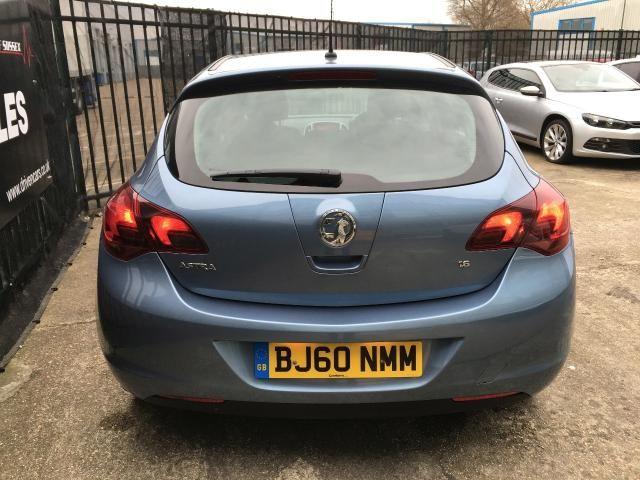2010 Vauxhall Astra 1.6 Elite 5d image 4
