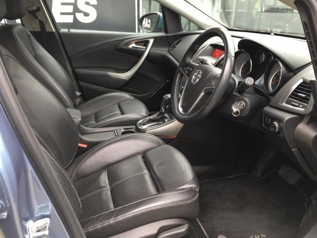 2010 Vauxhall Astra 1.6 Elite 5d image 5