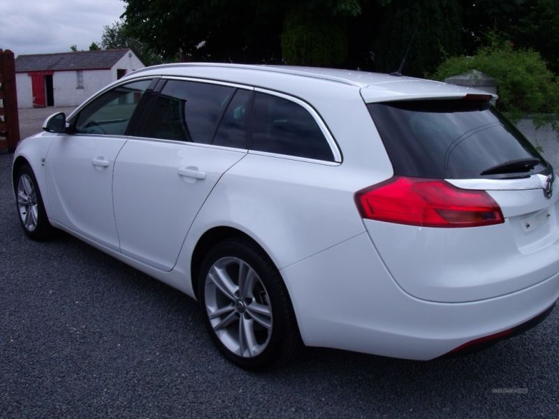 2011 Vauxhall Insignia SRI image 3