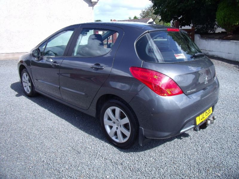 2011 Peugeot 308 Sport HDI image 3
