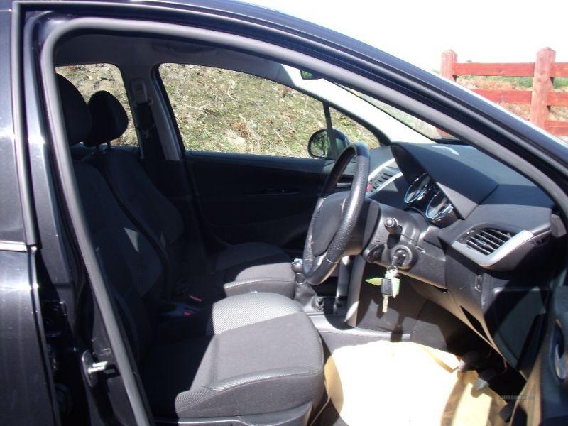 2012 Peugeot 207 1.4 image 6