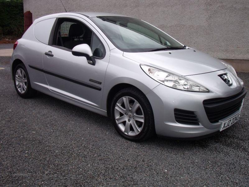 2011 Peugeot 207 HDI image 1