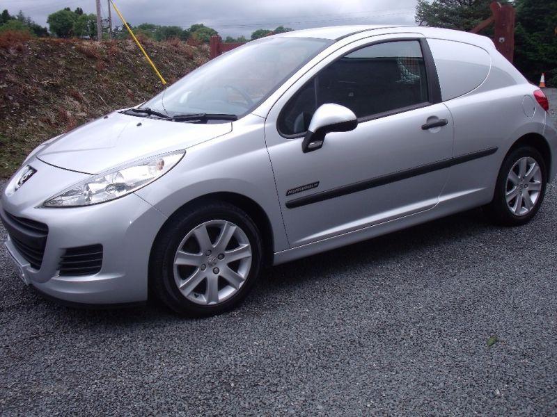 2011 Peugeot 207 HDI image 2
