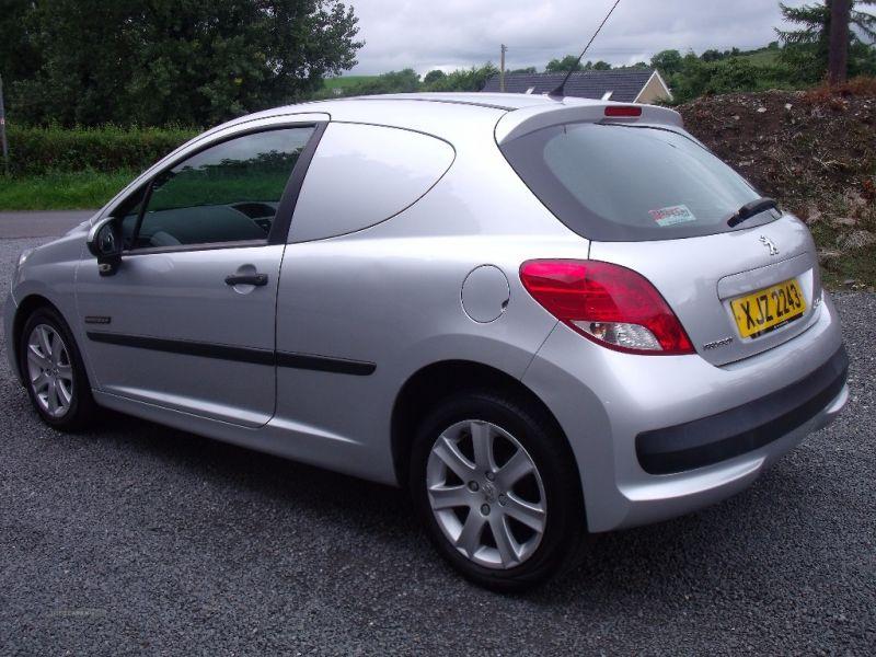 2011 Peugeot 207 HDI image 5