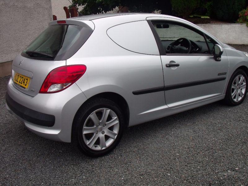 2011 Peugeot 207 HDI image 6