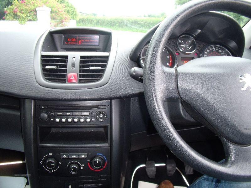 2011 Peugeot 207 HDI image 9