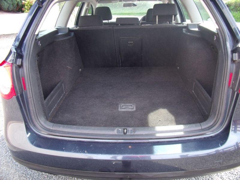 2007 Volkswagen Passat SE TDI image 5