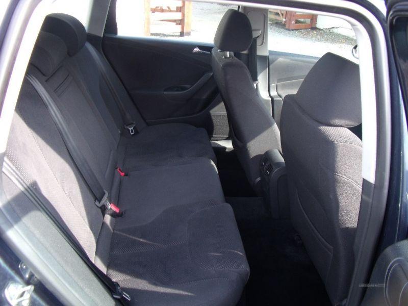 2007 Volkswagen Passat SE TDI image 6