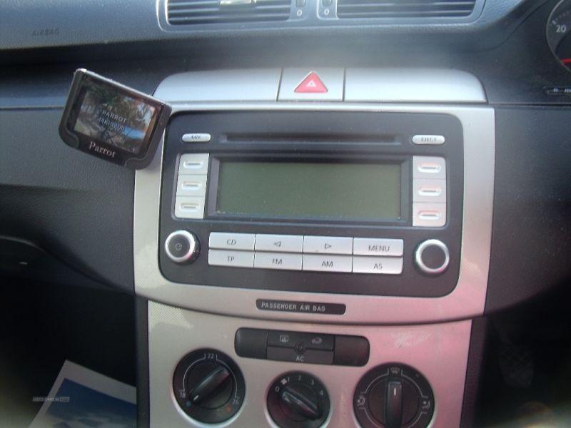 2007 Volkswagen Passat SE TDI image 9