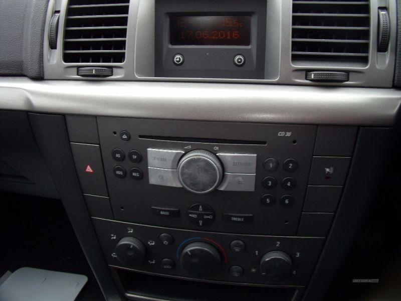 2008 Vauxhall Vectra 1.8 image 8