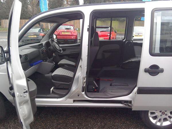 2010 Fiat Doblo 1.4 8V 5dr image 3