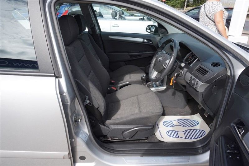 2007 Vauxhall Astra 1.6 SXI 5dr image 6