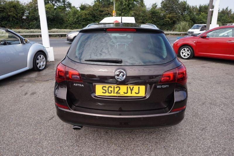 2012 Vauxhall Astra 1.6 SRI CDTI 5dr image 4