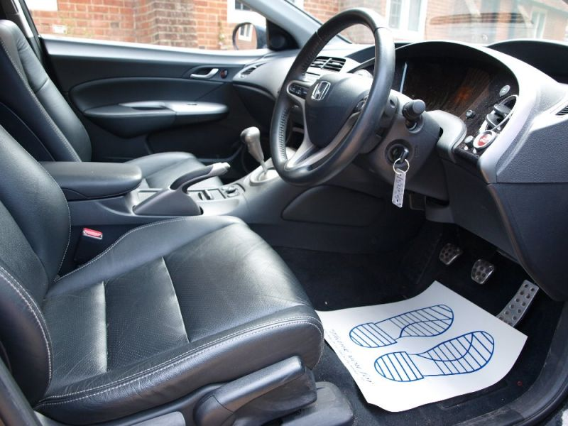 2009 Honda Civic SE I-VTEC 5dr image 6