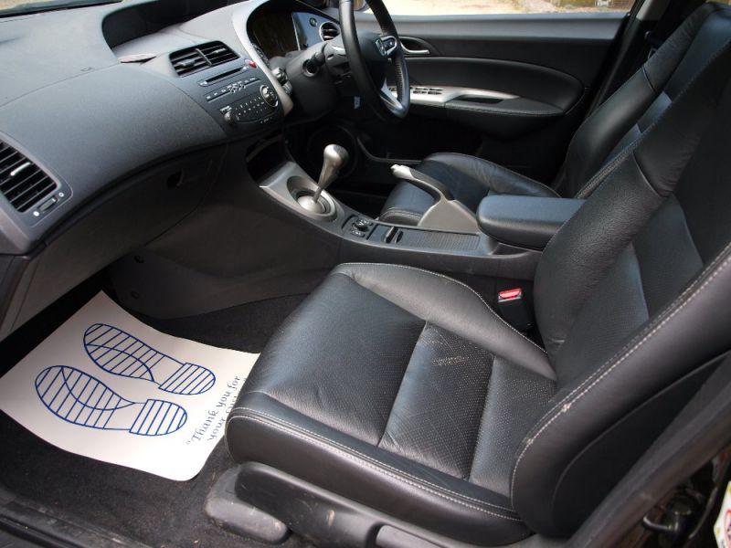 2009 Honda Civic SE I-VTEC 5dr image 7