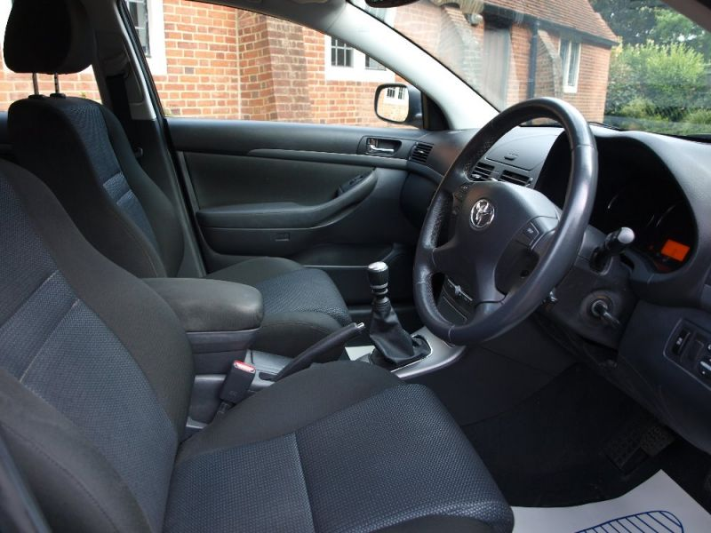 2008 Toyota Avensis TR D-4D 2.0 image 6