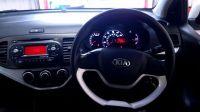 2012 Kia Picanto 1.0 1 5d image 8