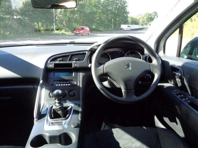 2013 Peugeot 3008 1.6 HDI 5d image 8