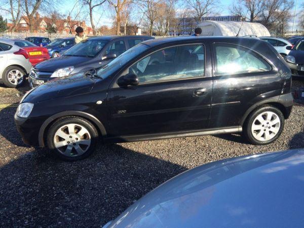 2003 Vauxhall Corsa 1.2i 16V SXi image 3