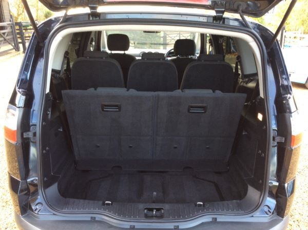 2009 Ford S-MAX 2.0 TDCi 5dr image 10