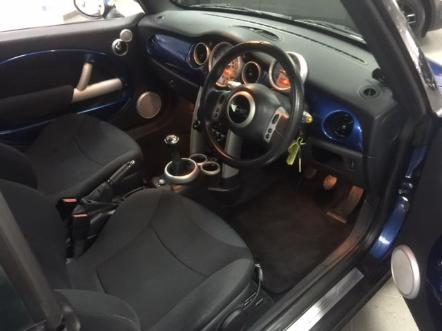 2007 MINI Convertible 1.6I 16V image 9