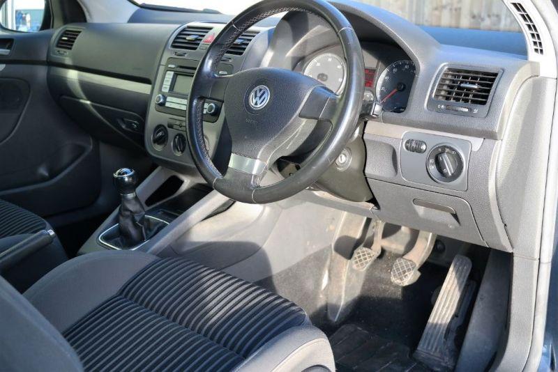 2007 VW Golf Sport TDI image 6