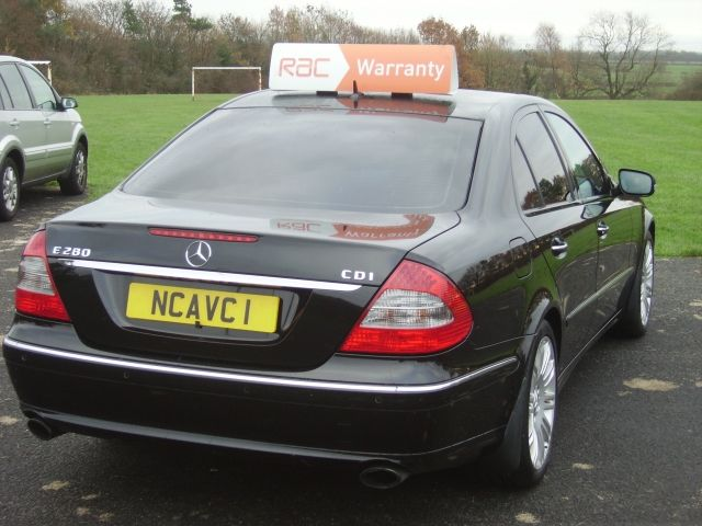2006 Mercedes-Benz 3.0 E280 CDI Sport 4dr image 5