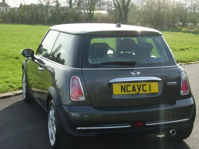 2005 Mini Hatchback 1.6 Cooper image 4