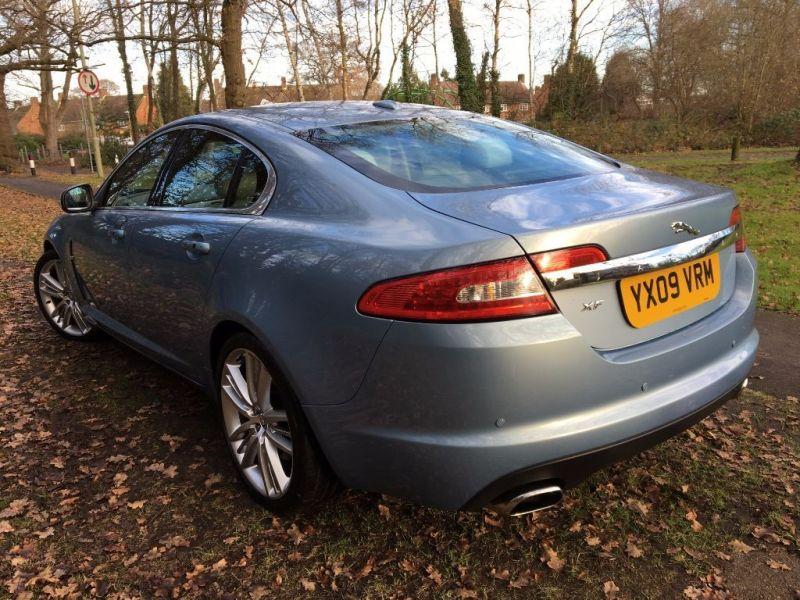 2009 Jaguar XF Premium Luxury V6 image 2