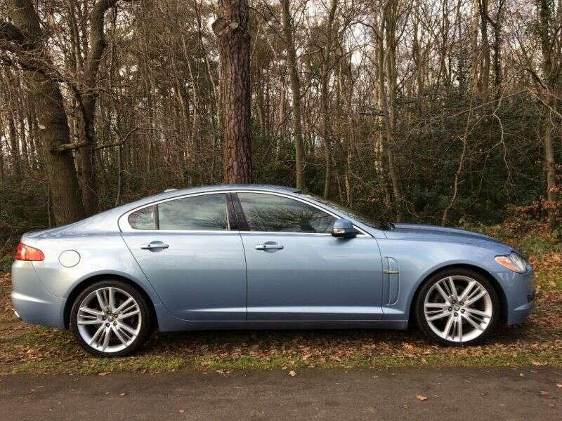2009 Jaguar XF Premium Luxury V6 image 3