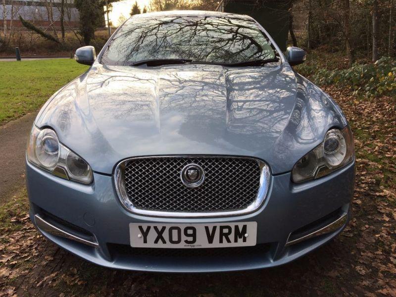 2009 Jaguar XF Premium Luxury V6 image 4
