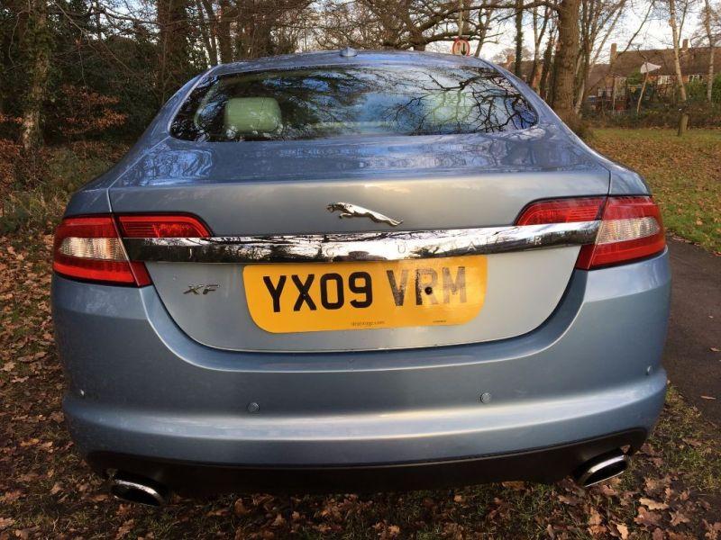2009 Jaguar XF Premium Luxury V6 image 5